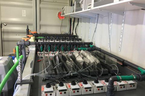Zurzeit wird eine Pilotanlage der bio-elektrochemischen Brennstoffzelle in der Kläranlage in Goslar aufgebaut. Foto: CUTEC