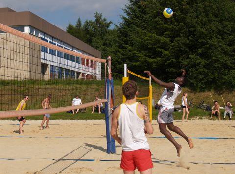 Auch das Beachvolleyballturnier zählte zu den Höhepunkten beim Sportfest der Uni.