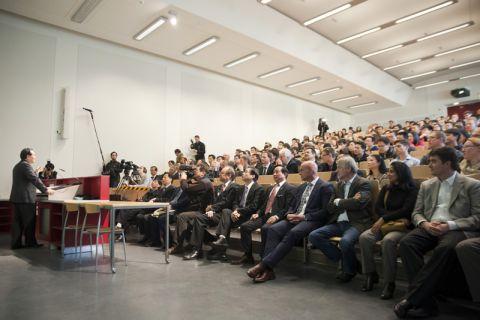 Studierende, Medienvertreter und Professoren: Die öffentliche Antrittsvorlesung des neuen Clausthaler Honorarprofessors Wan Gang rief viel Interesse hervor. Foto: Ernst